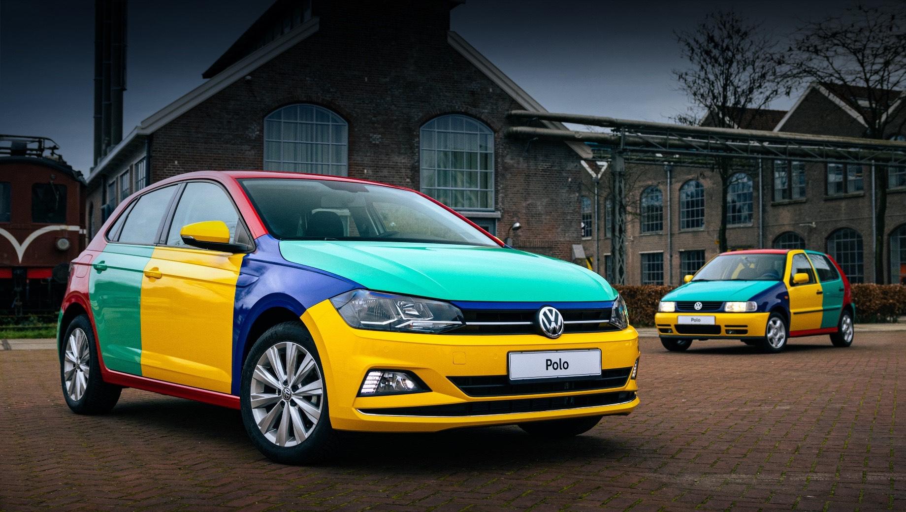 Volkswagen polo,Volkswagen polo harlekin. В 90-х основной цвет машины определялся по крыше и порогам. На заводе хэтчи выпускались одноцветными, а потом как бы менялись панелями между собой. Существовало четыре варианта комбинаций колеров, но какой именно достанется заказчику, оставалось секретом до момента вручения.