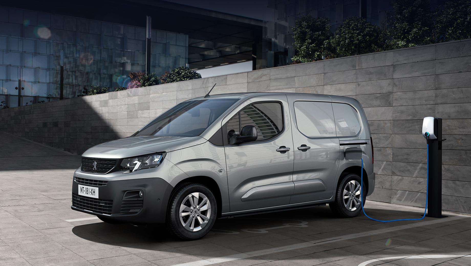 Вэн Peugeot e-Partner похвалился электронной начинкой