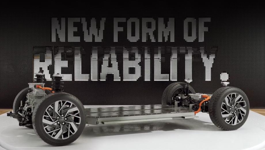 Genesis ev. Платформа E-GMP предполагает задний привод в качестве базового и полный (по электромотору спереди и сзади) в виде опции. Зарядка мощностью до 350 кВт позволяет наполнить батарею на 80% за 18 минут, а за первые пять минут обеспечить 100 км хода.