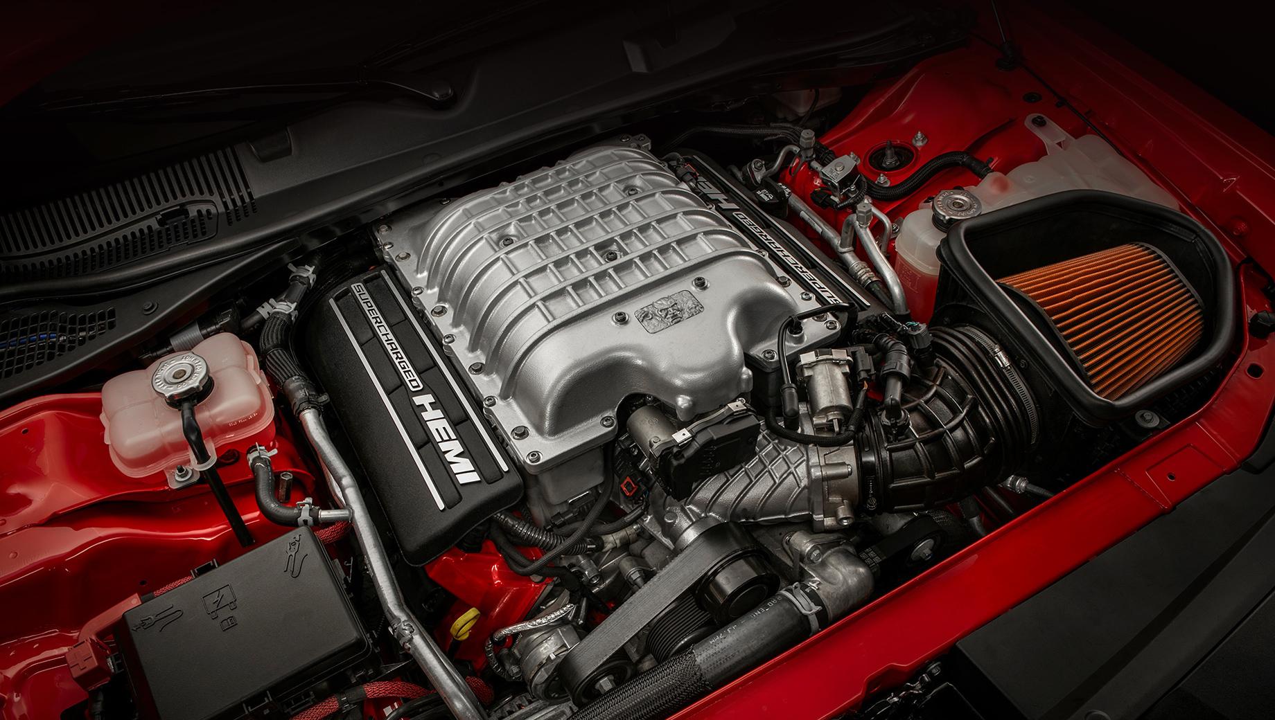Dodge challenger,Dodge charger,Dodge durango. С момента появления двигателя 6.2 Hemi V8 Hellcat в 2014 году было создано несколько его вариаций, вплоть до 852-сильной (1044 Н•м) на Демоне.