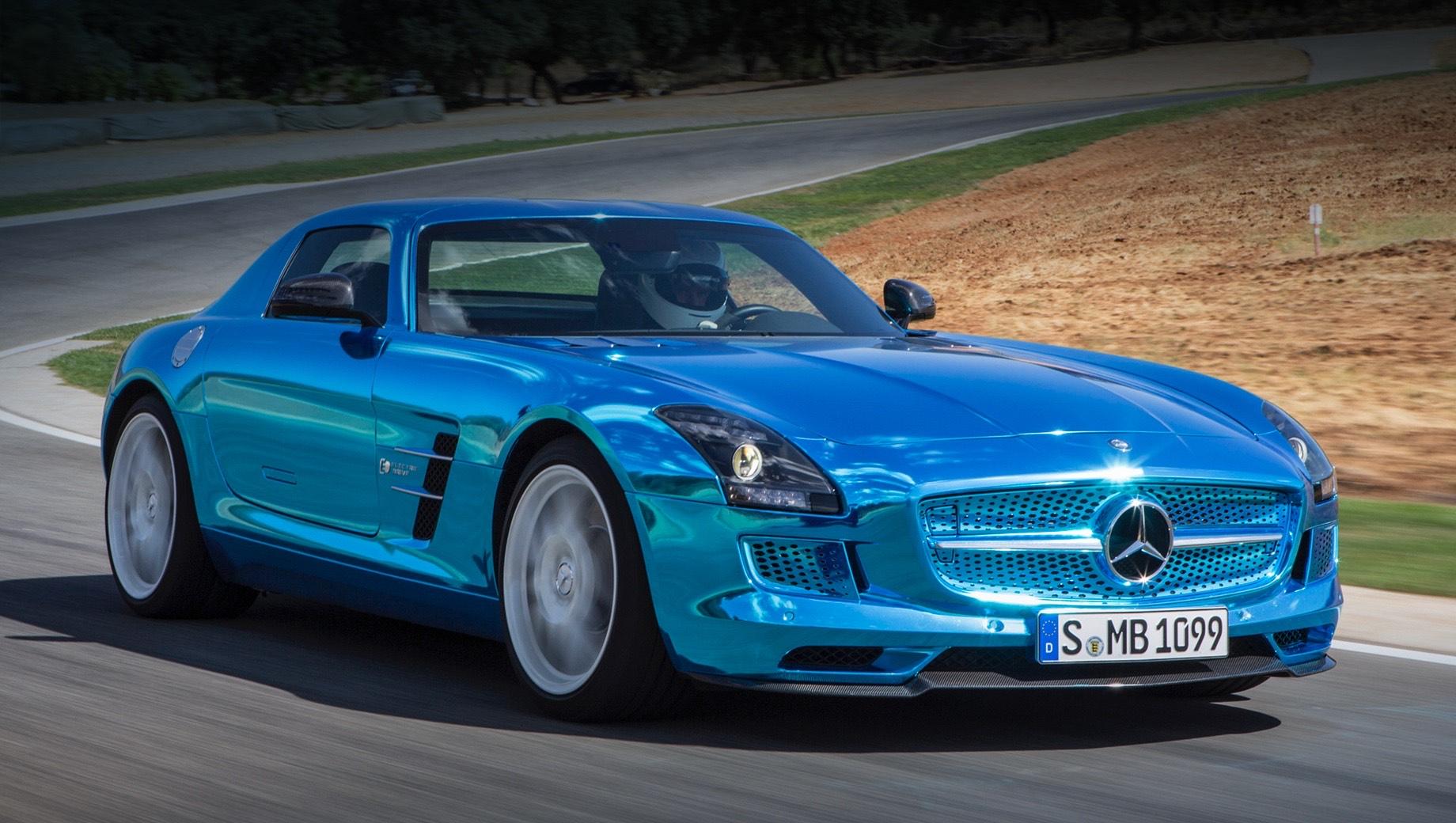Mercedes eq,Mercedes amg,Mercedes eqa,Mercedes eqb,Mercedes eqe,Mercedes eqs. Мастера из Аффальтербаха давно присматриваются к электромобилям. В 2010 году свет увидело купе SLS AMG E-Cell, а в 2012-м на Парижском автошоу выступил суперкар SLS AMG Electric Drive (на фото) мощностью 552 кВт (750 л.с., 1000 Н•м), который сейчас хранится в музее Мерседеса в Штутгарте.