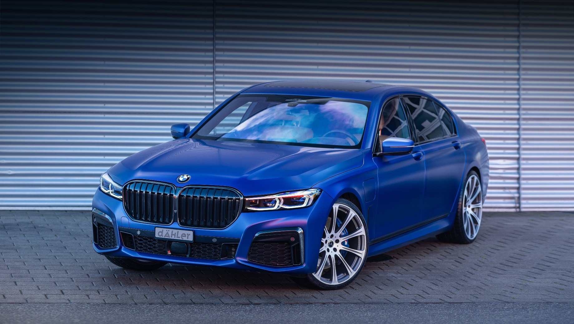 Бюро dÄHLer зарядило гибрид BMW 745Le xDrive