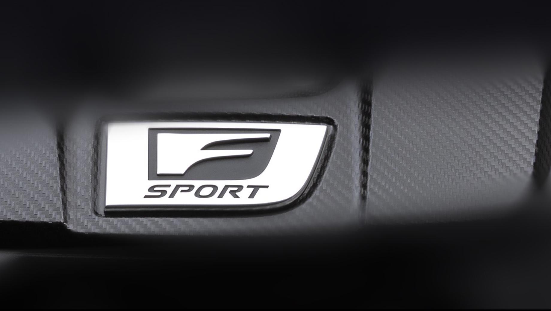 Lexus is. Деталь на тизере идентична крышке от мотора V8 5.0 2UR-GSE, но это никак не гарантирует, что под нею скрыта действительно «восьмёрка».
