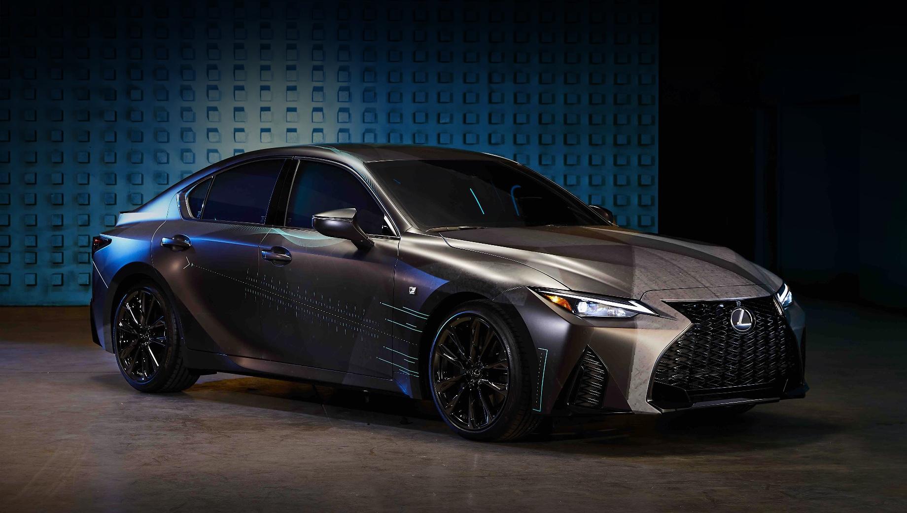 Lexus is,Lexus gamers' is. Исполнение F-Sport предполагает наличие уникальных бамперов, решётки радиатора, спойлера и 19-дюймовых колёс. Кузов обтянут плёнкой Infiltrate, за которую проголосовало примерно 48% пользователей. Помощь в реализации проекта оказывала креативная студия SCPS.