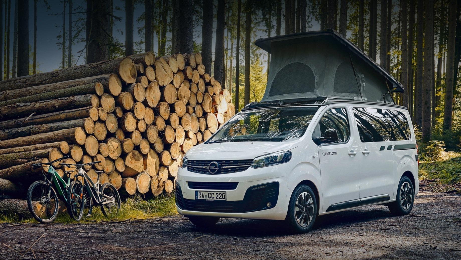 Opel zafira life,Opel zafira life crosscamp. Zafira Life Crosscamp Lite комплектуется двумя турбодизелями на выбор — 1.5 (120 л.с.) и 2.0 (145 и 177 сил). Младший мотор трудится в паре только с шестиступенчатой «механикой», а а старший — как с ручной коробкой передач, так и с восьмидиапазонной автоматической.