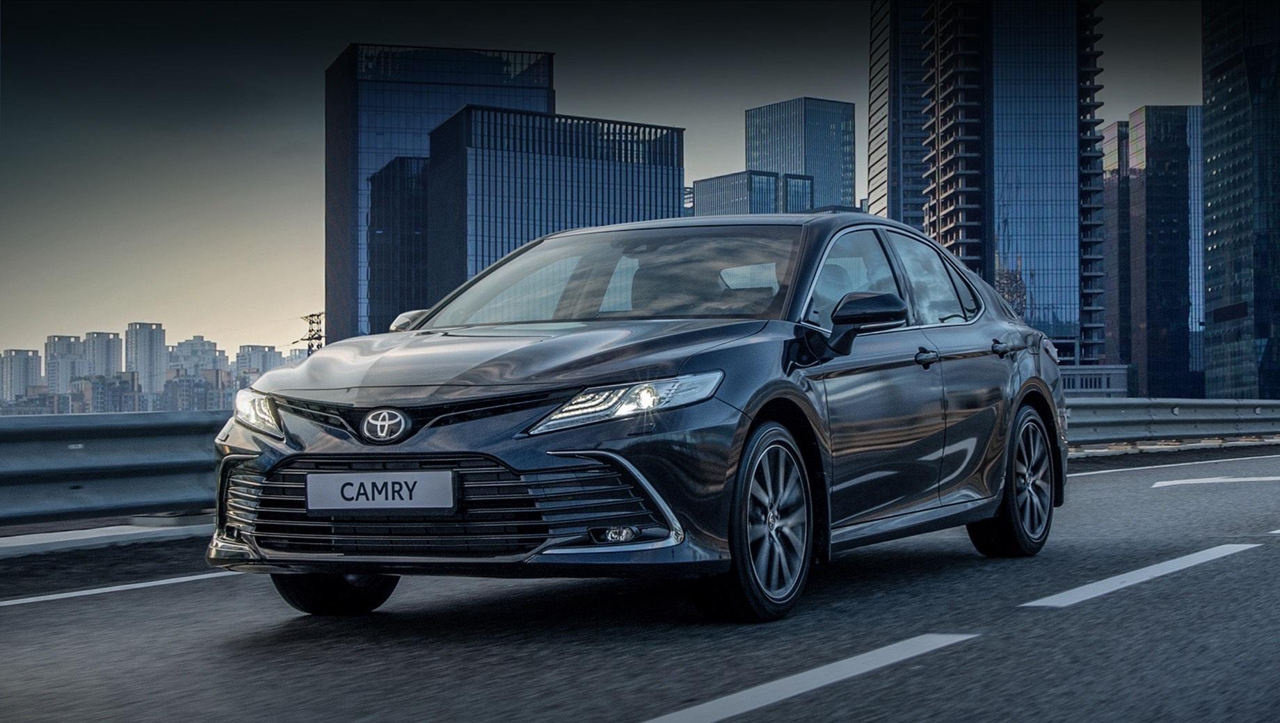 Открылся приём заказов на обновлённый седан Toyota Camry