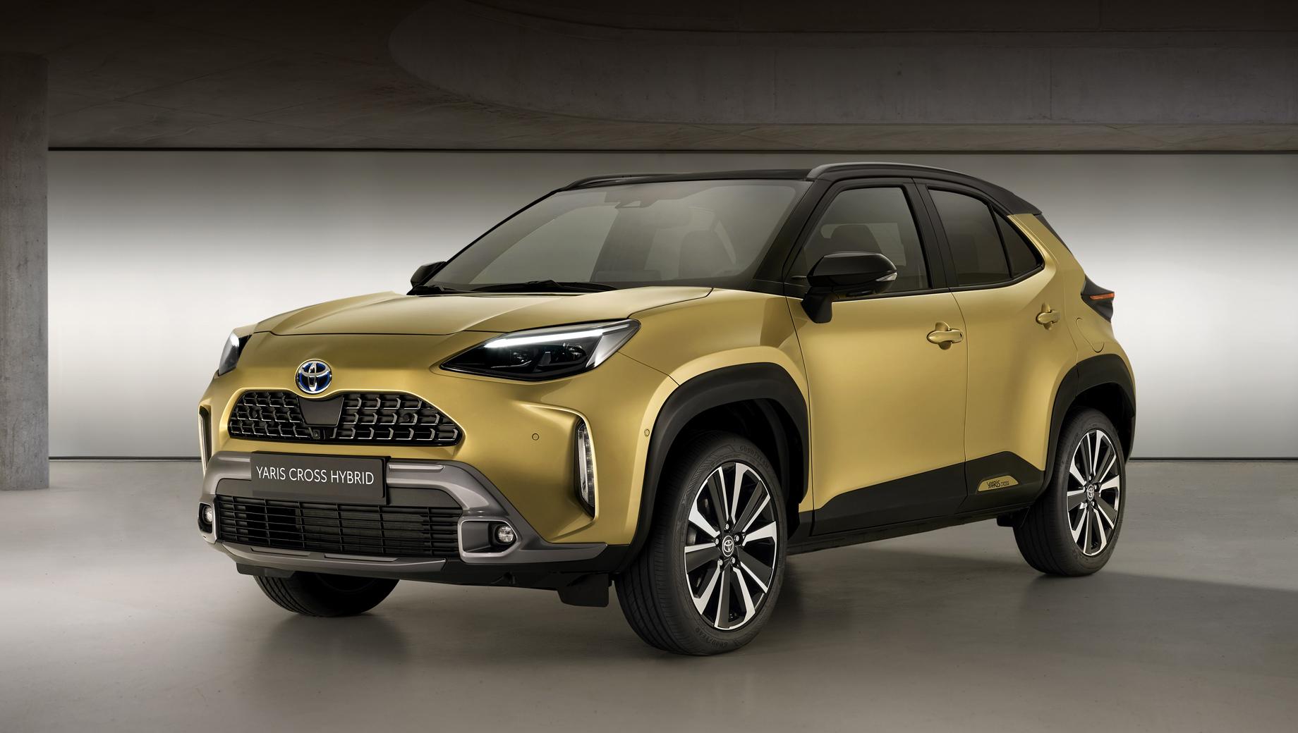 Дебютировали собратья Toyota Yaris Cross Adventure и Premiere