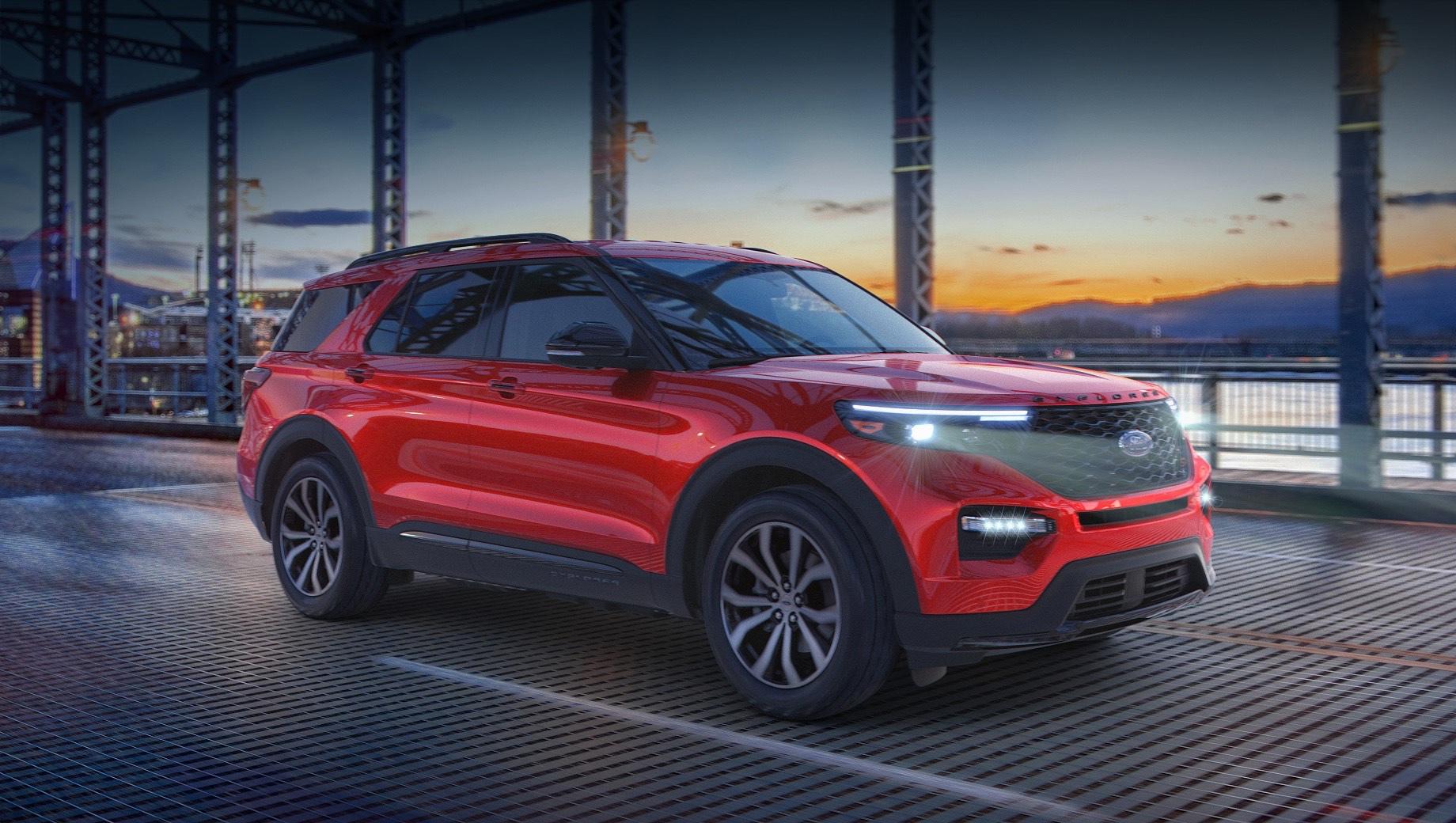 Ford explorer. По результатам американских продаж за 2020 год Ford Explorer — один из двух (второй — Hyundai Palisade) среднеразмерных кроссоверов в лидирующей десятке, который нарастил результаты по сравнению с 2019-м. Прибавка в 23% вывела модель на показатель 226 217 реализованных машин.