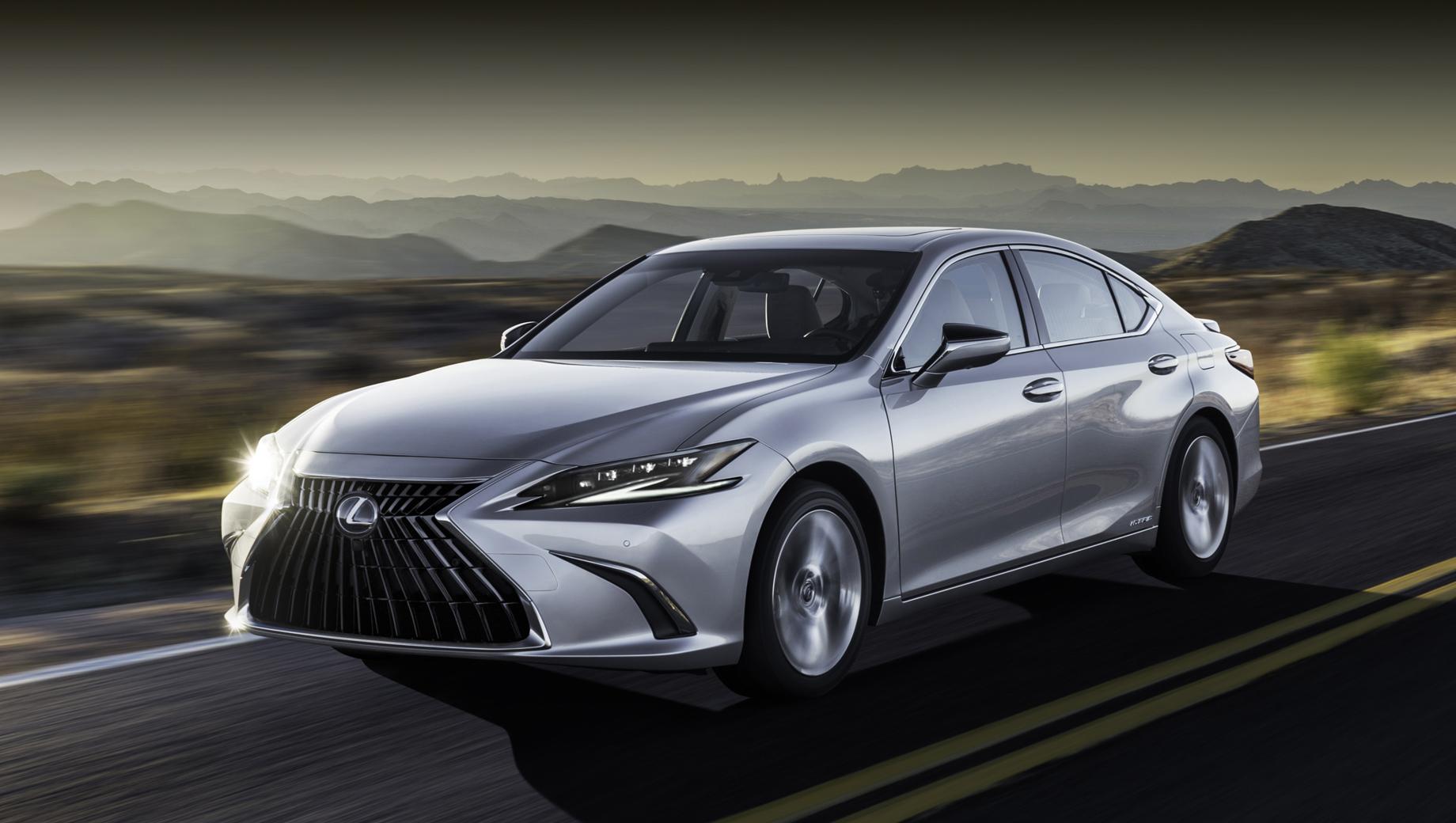Обновлённый Lexus ES сделал акцент на безопасности