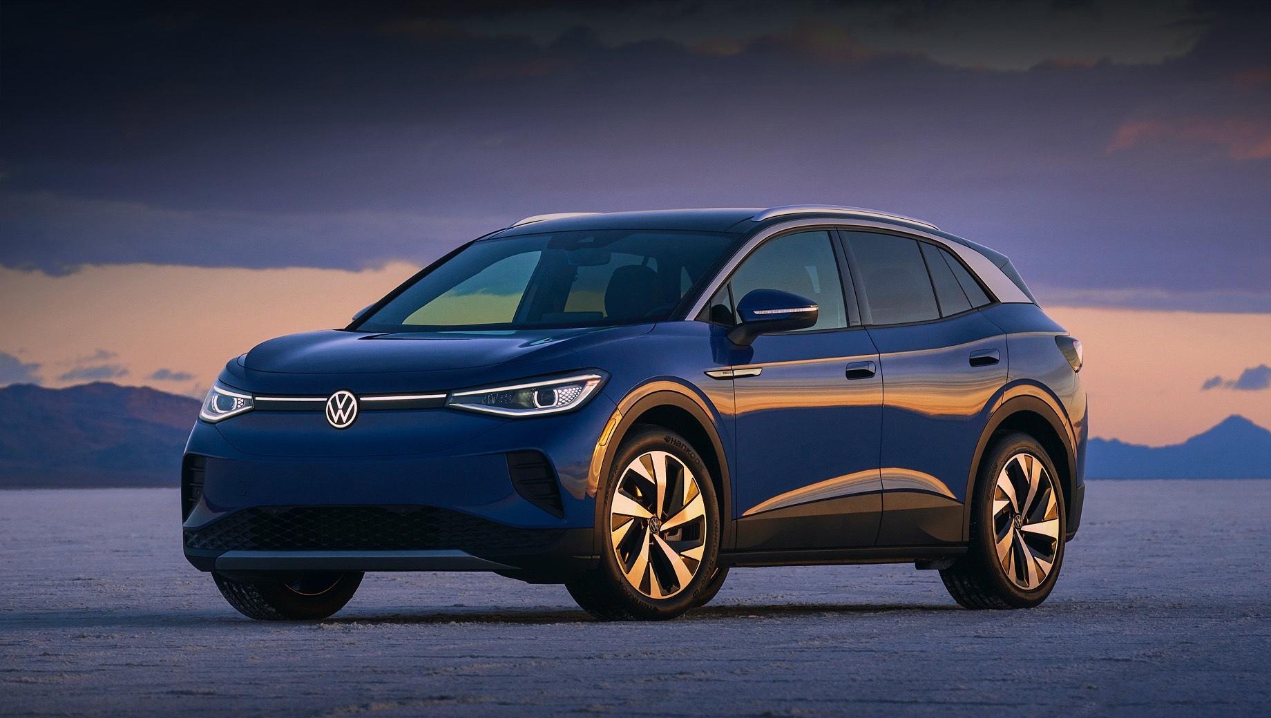 Volkswagen id 4. Volkswagen ID.4 только начал свой путь. В Европе продажи начались в конце прошлого года и до конца 2020-го удалось реализовать 4810 машин. А на конец февраля 2021-го количество заказов на электрокар превысило 23,5 тысячи. В США поставки начались в прошедшем марте.
