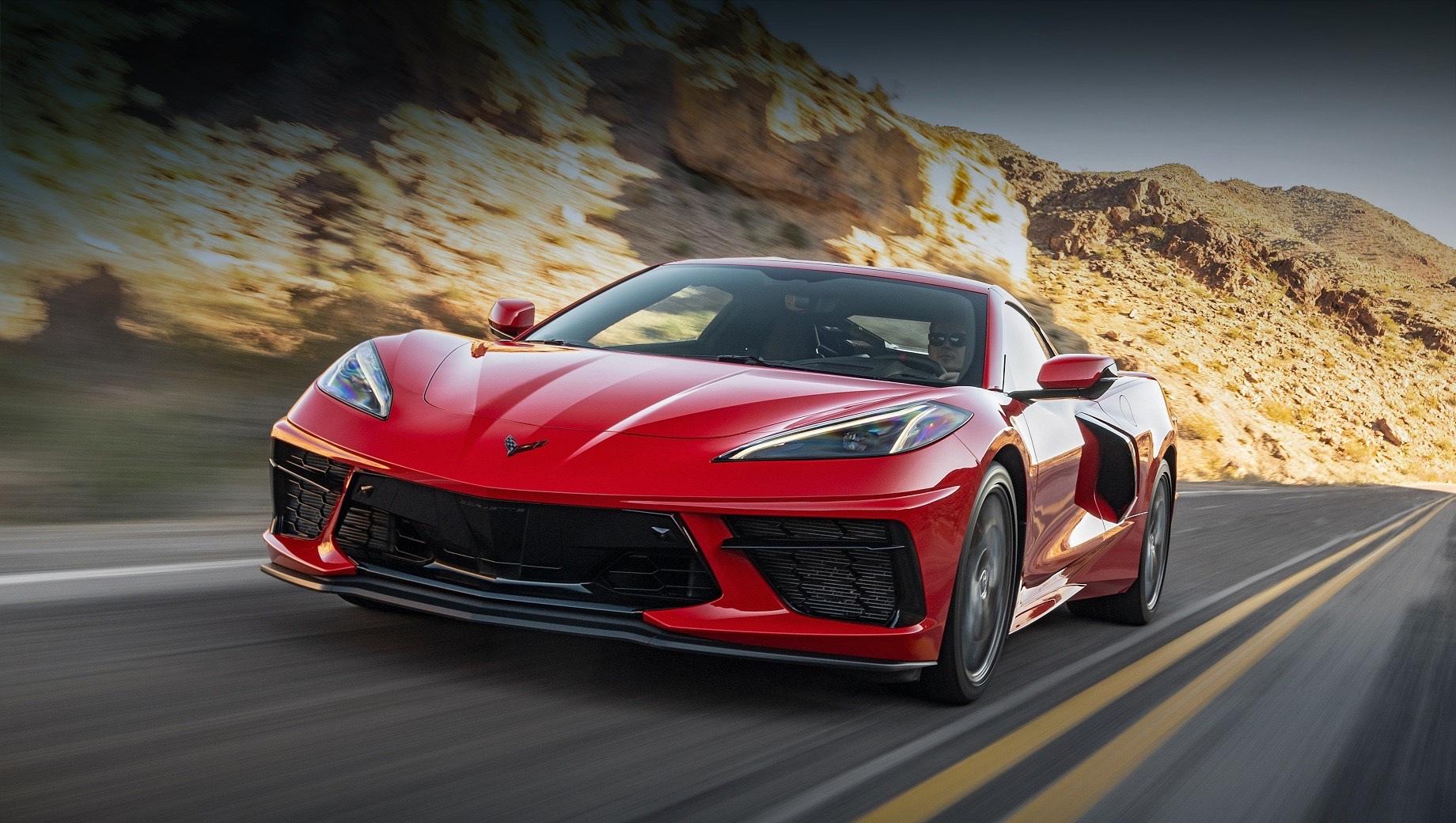 Chevrolet corvette,Chevrolet corvette z06,Chevrolet corvette zr1,Chevrolet corvette zora zr1,Chevrolet corvette e-ray. Не предлагая широкого выбора версий, Corvette C8 бьёт конкурентов ценой — от $61 495 (4,6 млн рублей). Поэтому в США за прошлый год купили 21 626 спорткаров. Сравните с результатами моделей Porsche 911 (8840 штук), Mercedes-AMG GT (3491) и Audi R8 (581).