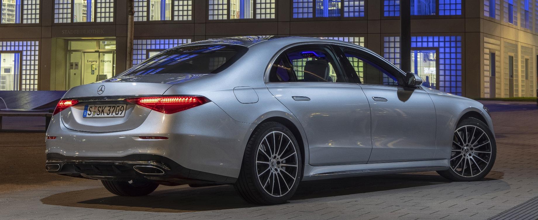 Mercedes S-класса c V8 оказался заметно дороже конкурентов