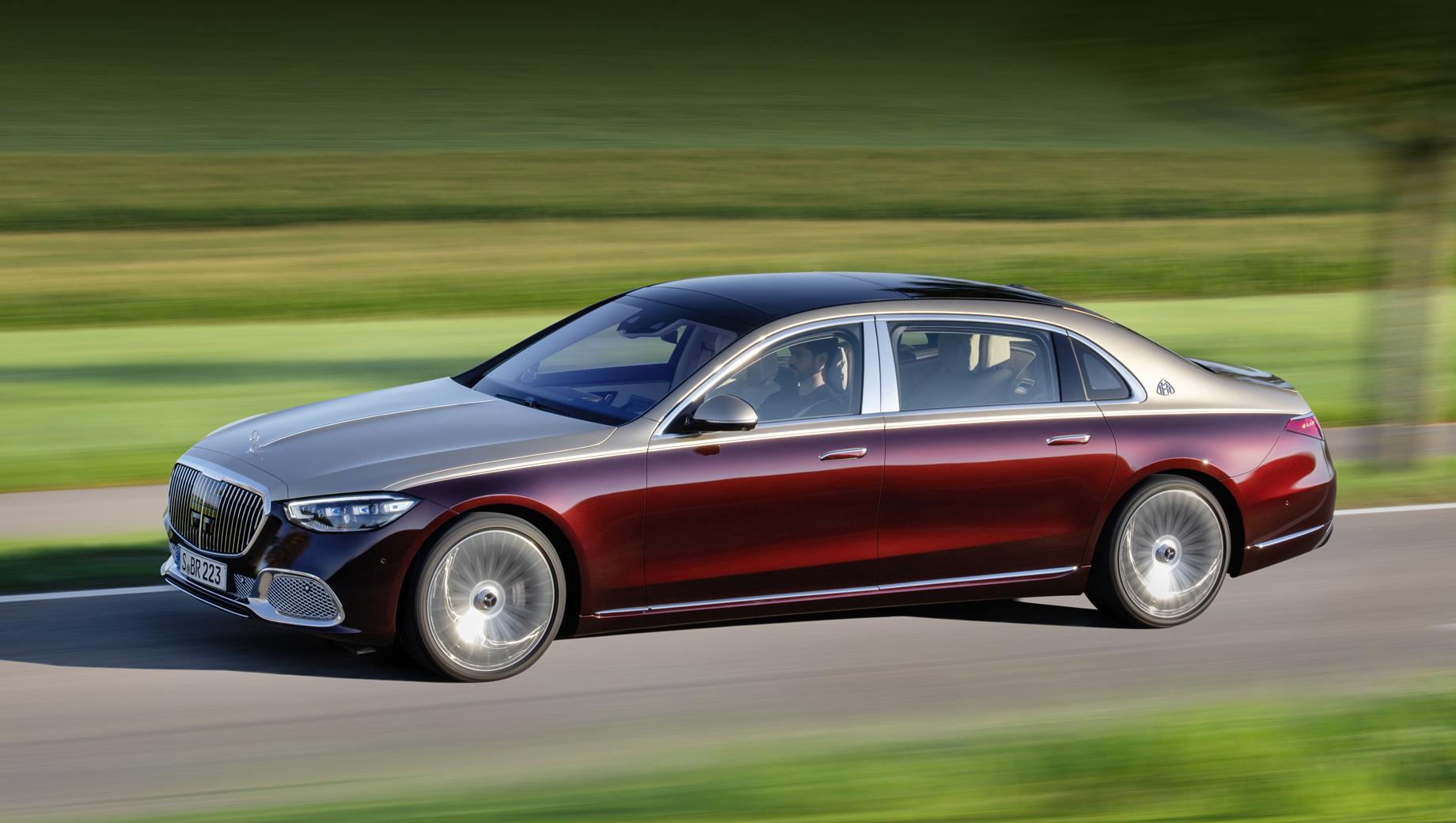Mercedes s. Официально данные восьмицилиндрового и двенадцатицилиндрового Майбахов компания не раскрывала. К слову, в Китае Maybach стартовал в шестицилиндровой версии S 480 4Matic.