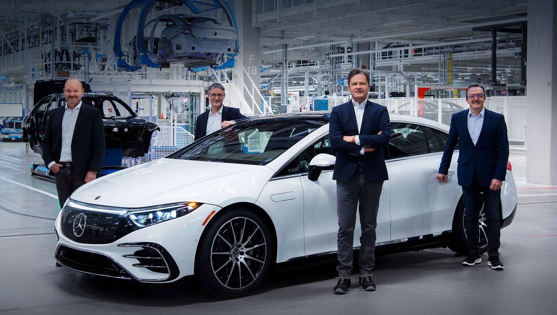 Mercedes-Benz EQS встал на конвейер завода Factory 56