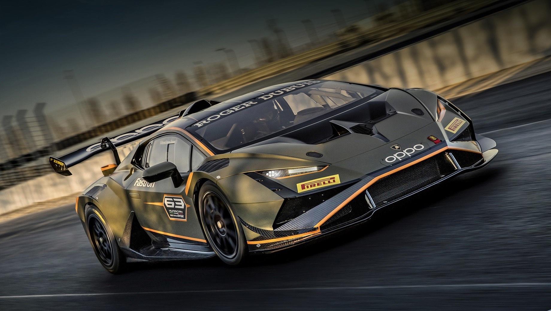 Lamborghini huracan,Lamborghini huracan super trofeo evo2. Проводя презентацию какой-либо гоночной новинки, отделение Lamborghini Squadra Corse очень любит публиковать статистические данные. Например, с 2009 года в чемпионате Super Trofeo приняло участие 950 пилотов, а в апреле 2021-го спецы собрали четырёхсотый автомобиль серии.