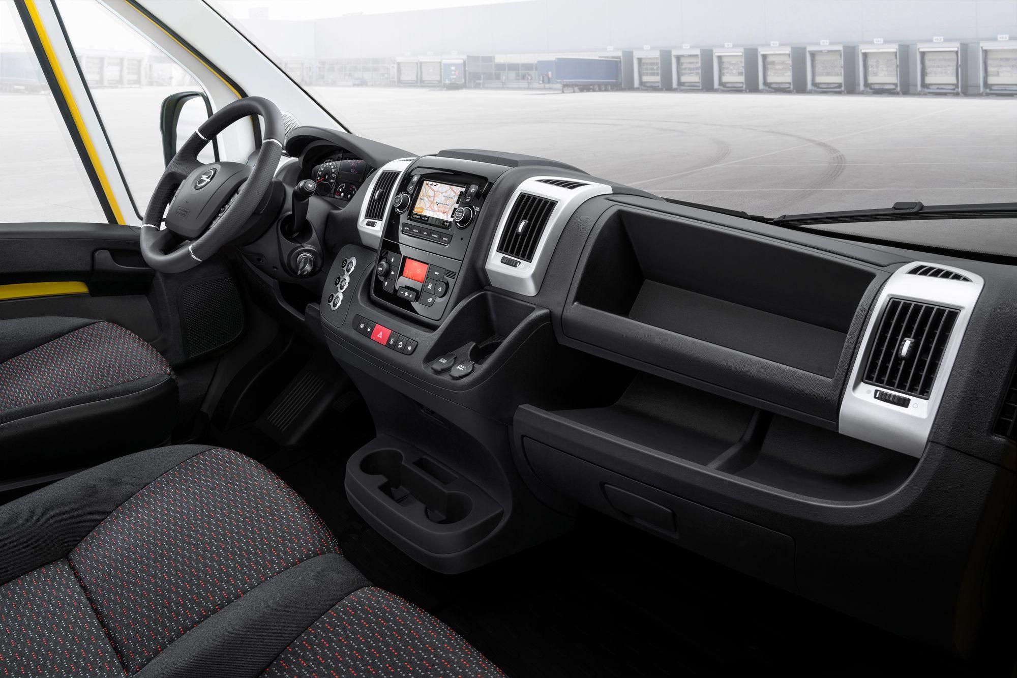 Электрический Movano-e увенчал линейку фургонов Опеля