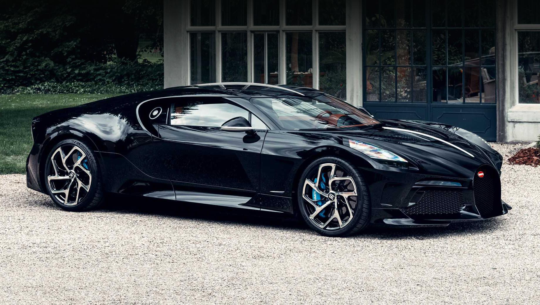 Bugatti la voiture noire. Облик купе навеян исторической моделью Bugatti Type 57 SC Atlantic, причём конкретным образцом с таким же названием La Voiture Noire, принадлежавшим Жану, сыну Этторе Бугатти. Та машина пропала в конце тридцатых.
