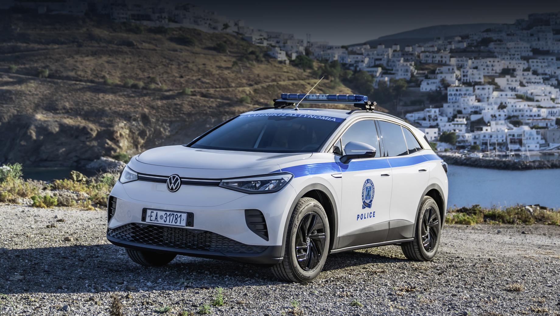 Volkswagen id 3,Volkswagen id 4. Среди переданных машин был первый в Греции электрический полицейский автомобиль, которым стал Volkswagen ID.4.