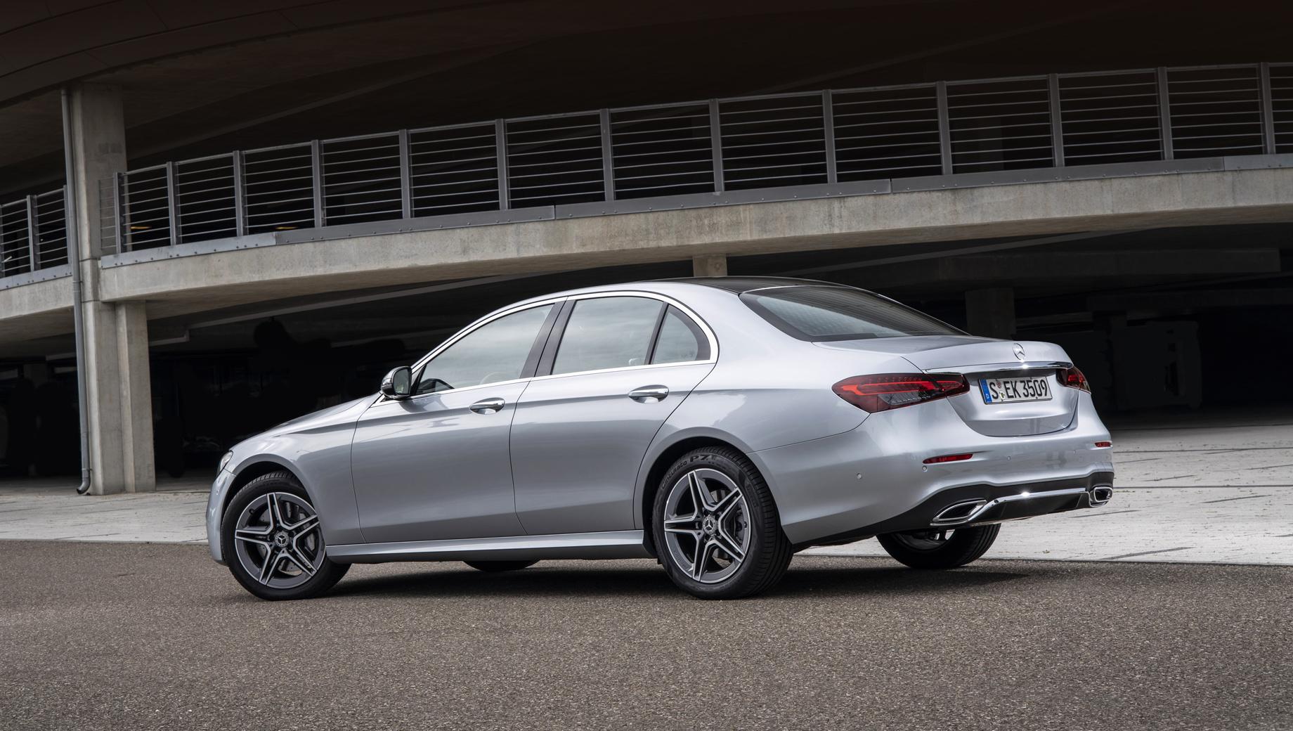 Mercedes e,Mercedes amg gt,Mercedes gle,Mercedes gls,Fiat doblo,Jeep grand cherokee,Suzuki jimny. Актуальный E-класс последний раз приглашался на сервис в декабре прошлого года из-за риска короткого замыкания.