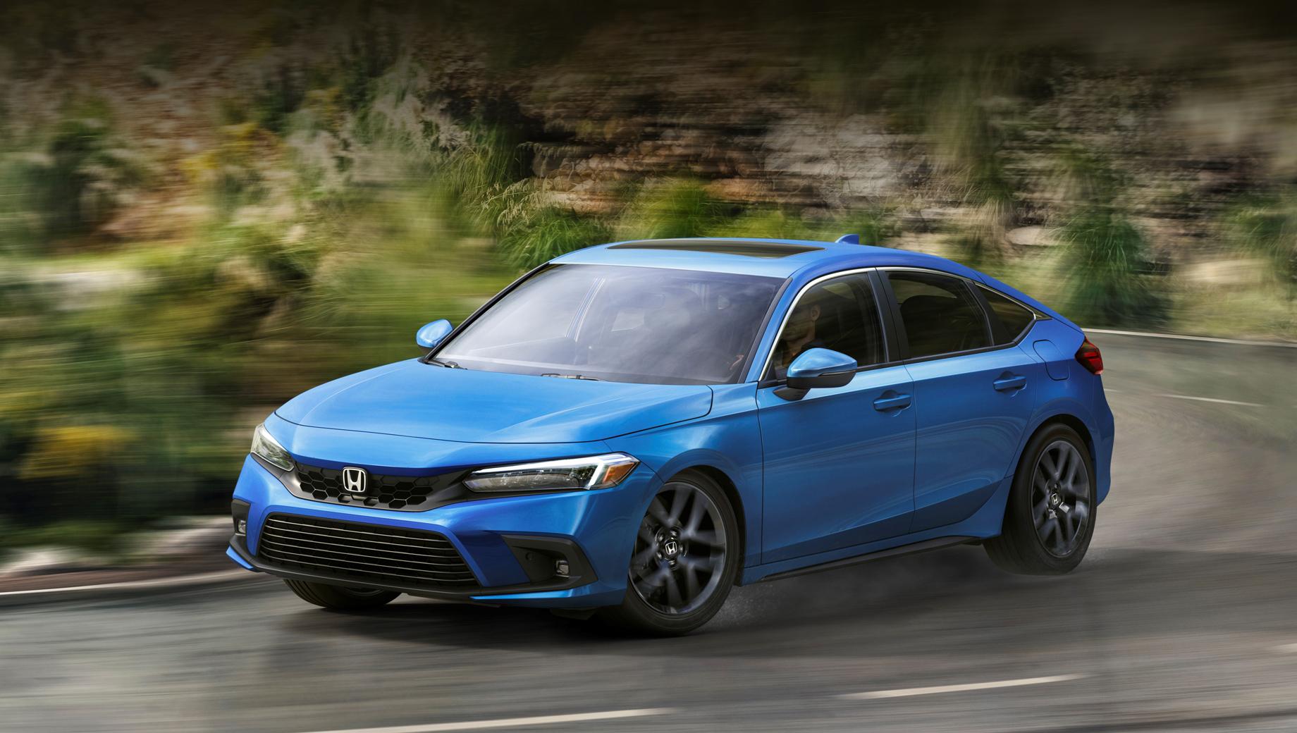 Honda civic. Длина, ширина, высота и колёсная база равны 4549 мм (+30 мм к предшественнику), 1800 (+2 мм), 1414 (-15 мм), 2736 (+36 мм).