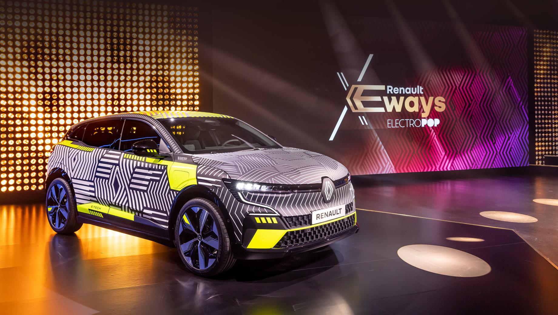 Renault 4,Renault 5,Renault megane. Один из немногих «живых» экспонатов конференции — хэтчбек Renault Megane E-Tech Electric, который должен выйти на рынок в 2022 году.