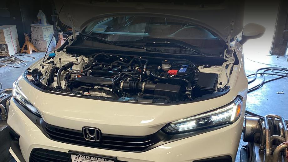 Honda civic. Ателье предлагает несколько видов модулей управления для моторов Хонды и Акуры, блоки для перепрограммирования и диагностики, теплозащитные прокладки, уменьшающие нагрев впускного коллектора от мотора, модули для противобуксовочных систем.