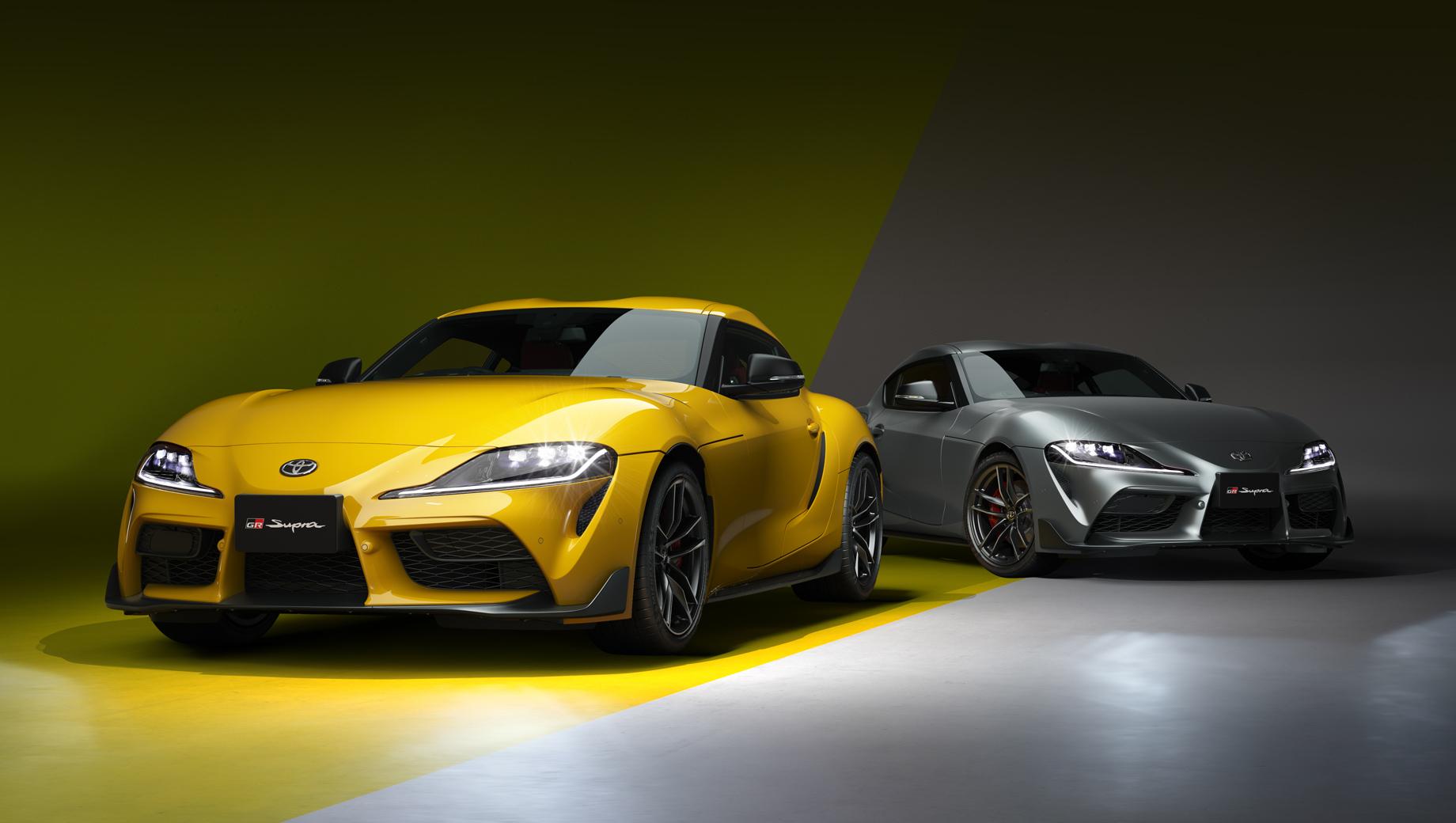 Toyota supra. Спорткары из юбилейной серии в первую очередь отличаются лимитированными цветами кузова и особой отделкой интерьера. Моторов имеется два на выбор, а восьмидиапазонный «автомат» и задний привод подразумеваются во всех случаях.