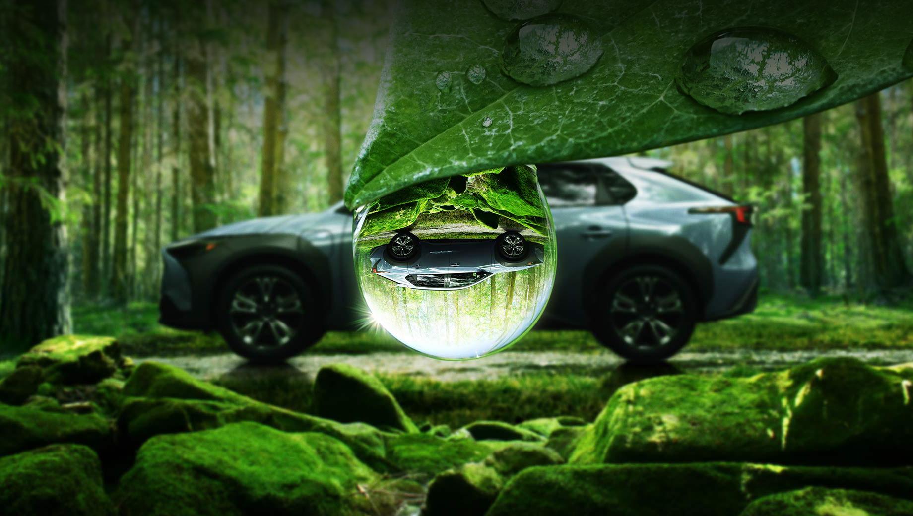 Subaru solterra. От первого безымянного концепта 2020 года, предвещавшего батарейный кроссовер Subaru, тут почти ничего не осталось. Похожи задняя стойка и выделенные чёрным угловатые расширители колёсных арок.