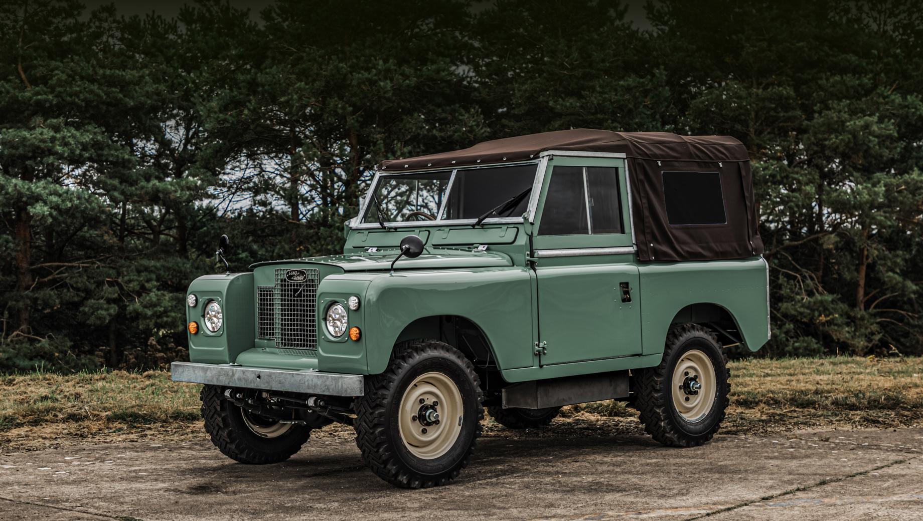 Everrati превратила классический Land Rover в электрокар