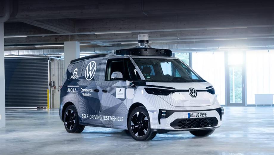 Volkswagen id buzz ad,Volkswagen id buzz,Volkswagen id 7. Автономный бус интересен тем, что это первый взгляд на серийное воплощение концепта Volkswagen ID. Buzz 2017 года, предвещающего большую семейную модель из линейки ID. на платформе MEB.